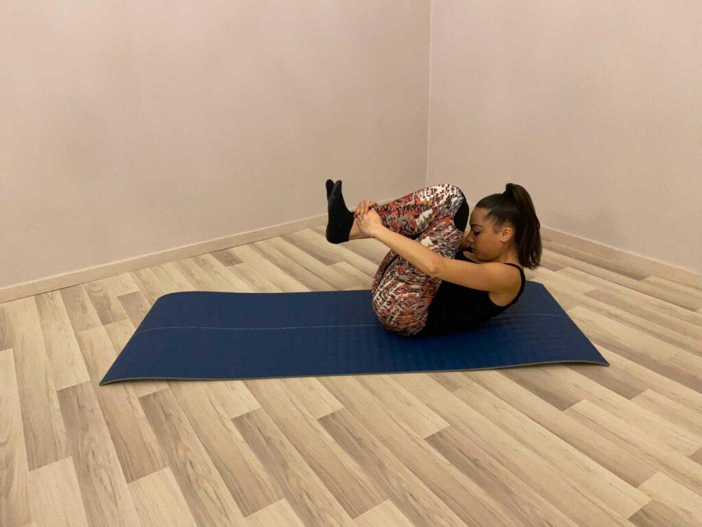 Automassaggio per rilassare e mobilizzare la colonna vertebrale